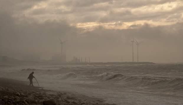 В Японии из-за тайфуна приказано срочно эвакуироваться 1,6 млн человек
