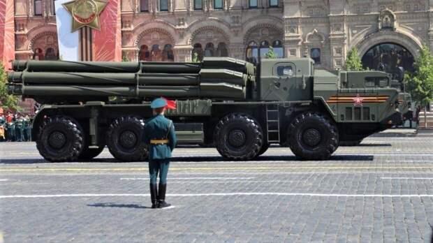 Вторая ночная репетиция парада Победы стартовала на Красной площади Москвы