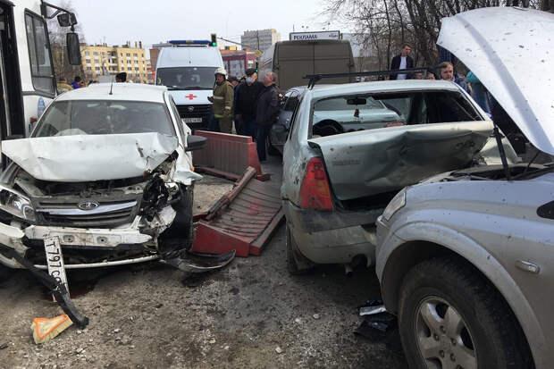 ДТП в Рязани собрало 12 автомобилей