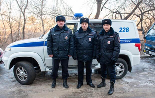В Хабаровске полицейские спасли из пожара семилетнего ребенка