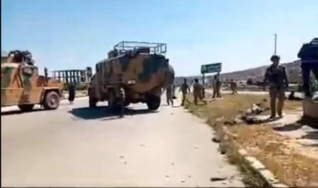 В Сирии протурецкие боевики обстреляли колонну российских военных