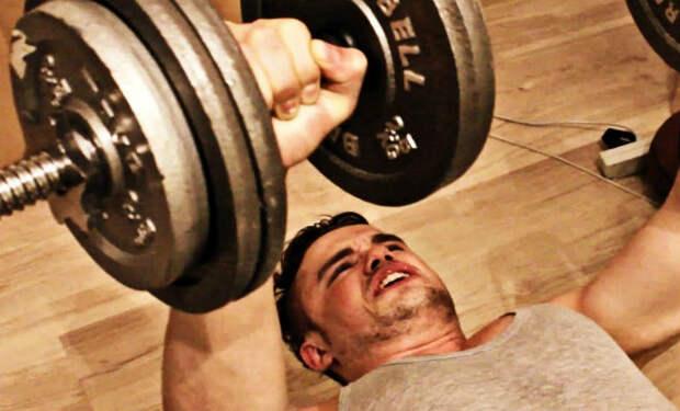 Качаем грудные мышцы без штанги