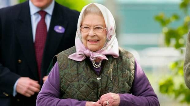 Британская королева Елизавета II не хочет быть «Старушкой года»