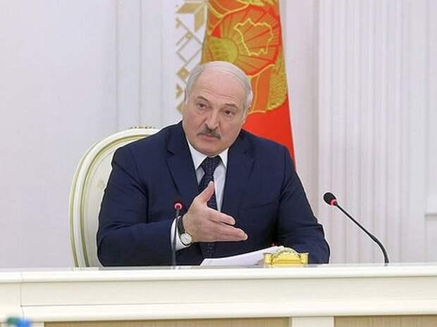 Лукашенко заверил, что никто не сможет разделить Белоруссию