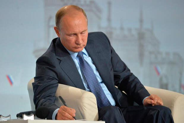 Павел Иванов задался вопросом, куда пропал президент Путин и почему он не реагирует на протесты в Хабаровске, Куштау и Кузбассе