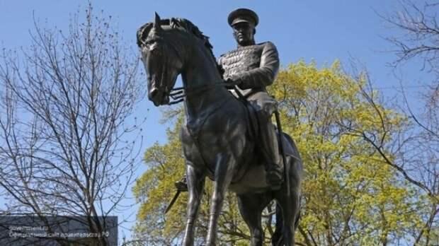 Гаспарян назвал придурками тех, кто защищает Польшу за снос советских памятников