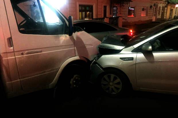 Пьяный водитель спровоцировал массовую аварию в Астрахани