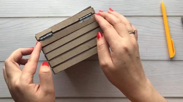 Простой картон, немного клея и краски, а какой удивительный результат