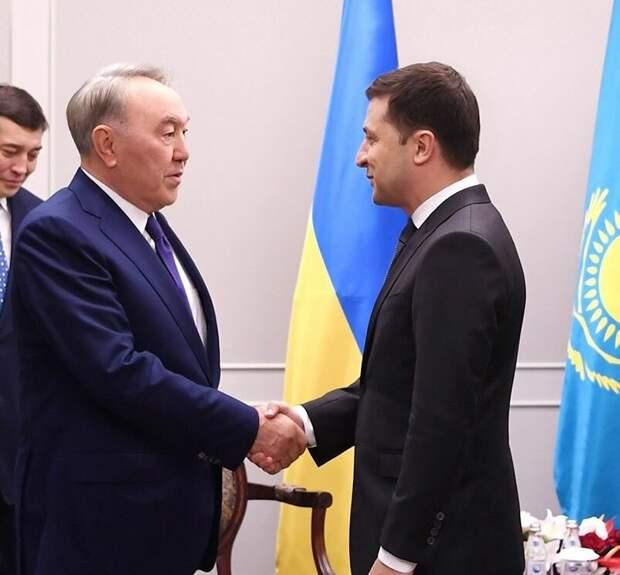 Президент Украины Зеленский и бывший президент Узбекистана Назарбаев