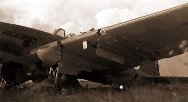 Самолёт с заводским №1863303, тактический №11, из 4-й эскадрильи 4-го ШАП (лётчик лейтенант Г. Д. Столетний), повреждён в бою 30 июня, передан в 285-е САМ, впоследствии оставлен при отступлении - Тяжелый дебют «летающего танка»   Военно-исторический портал Warspot.ru