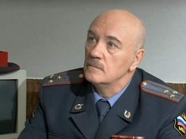 Леонид Куравлев, затворник, тоскующий по своей жене...