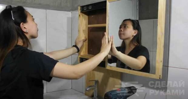 Идея для ванной: как сделать навесной шкафчик с зеркалом