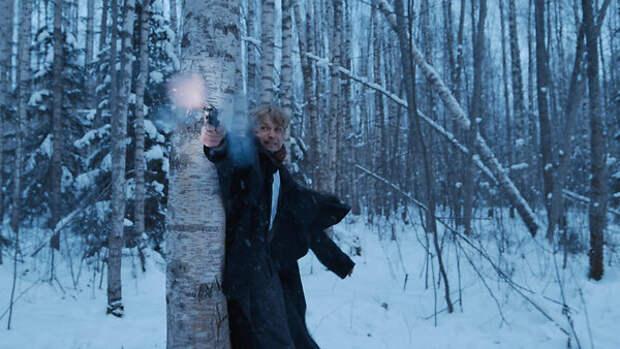 Александр Петров в парике сбегает от убийц: в сети опубликовали первый трейлер фильма о Есенине