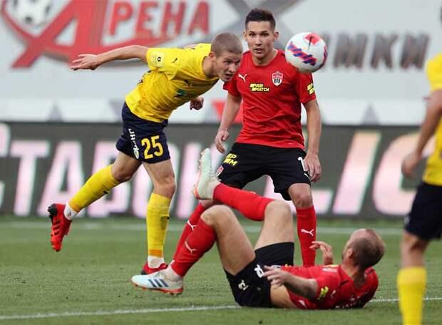 «Ростов» встретил Семина первым очком. Палыч не изменился: в первой же игре заработал предупреждение