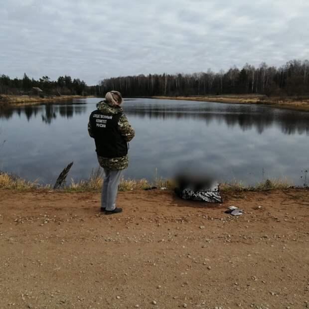 Гибель найденного в пруду мужчины расследуют в Увинском районе
