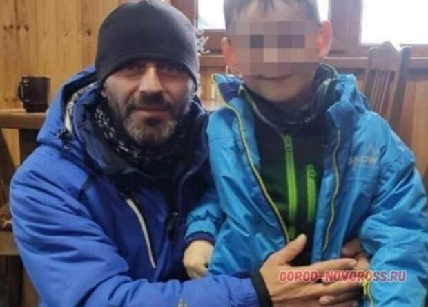 Инструктор спас ребенка из Новороссийска во время схода лавины в горах