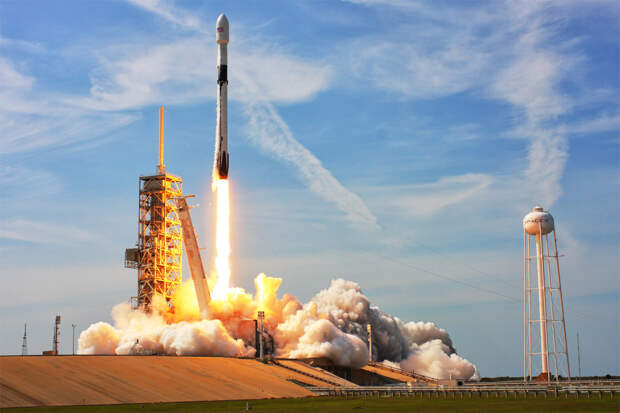 Go SpaceX: США ползут в большой космос