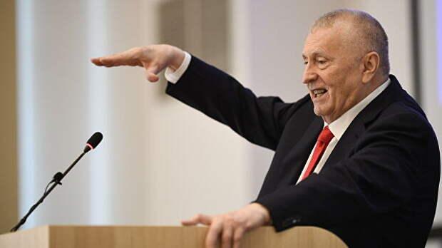 """""""Деньги сэкономим"""". Жириновский предложил сократить число депутатов"""