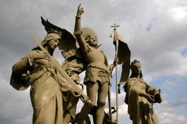 Ведьма или святая? Почему Ватикан канонизировал Жанну д'Арк