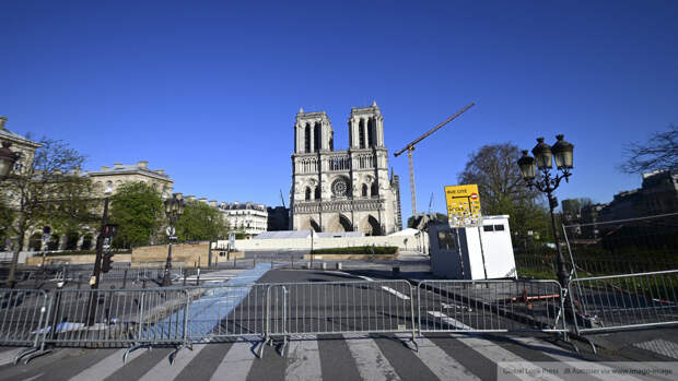 Макрон допустил снятие карантина во Франции 15 декабря