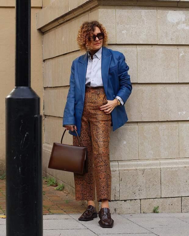 Что носят осенью зарубежные зрелые женщины и от чего отказываются наши: 5 стильных предметов гардероба