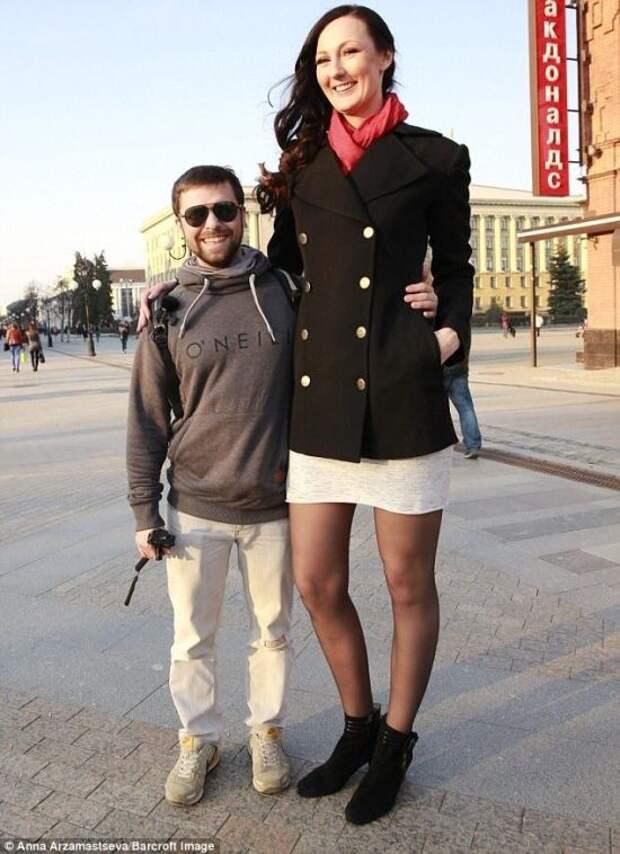 Приколы с высокими людьми (23 фото)