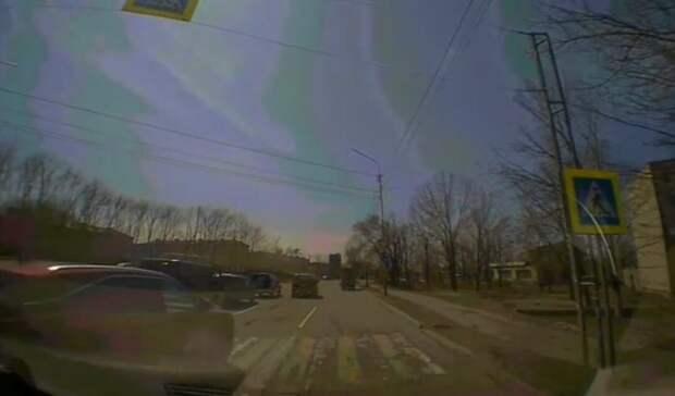«Просто чудом всё обошлось»: наказать водителя красного «Лексуса» требуют приморцы
