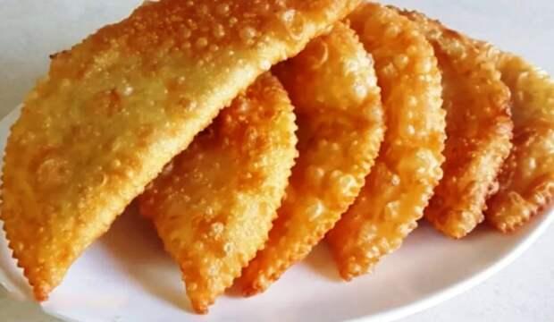 Чебуреки с картошкой: доступный рецепт. Заранее готовлю начинку и радую своих домашних