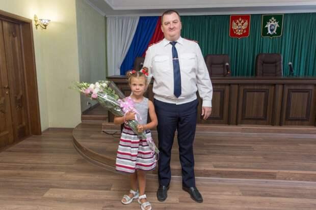 В Крыму наградили 7-летнюю девочку, которая прыгнула в воду на помощь тонущему другу