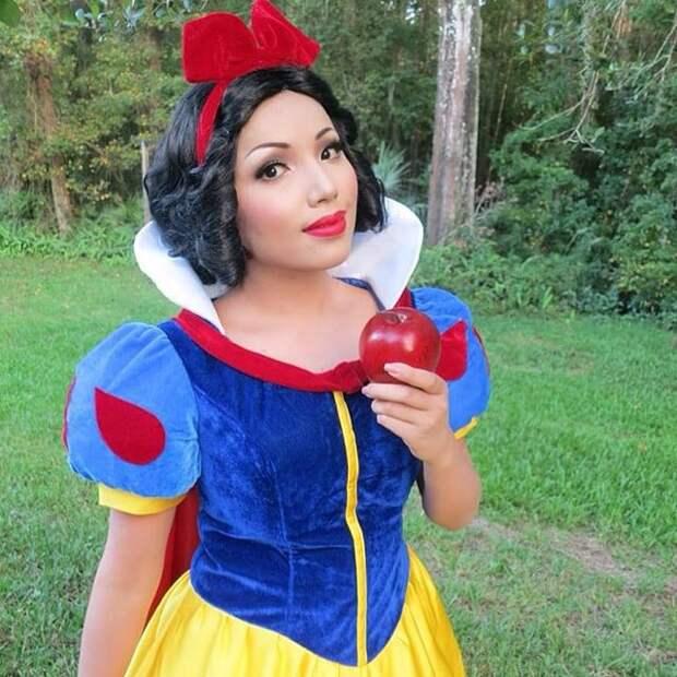 Героини мультфильмов, богини изнаменитости вкосплее блогера Таманг Фан