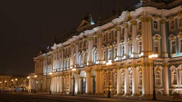 Зимний дворец в Петербурге обогнал Версаль в рейтинге самых популярных дворцов мира