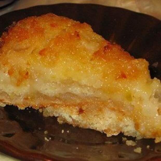 Яблочный манный пирог без яиц