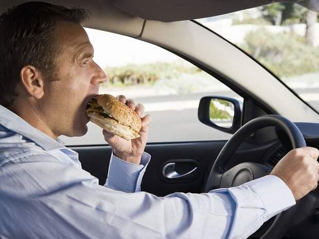 Почему за рулем нельзя напрягать ягодицы и заниматься другой физической активностью