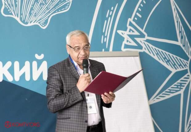 Министр ЖКХ РК Виталий Глотов