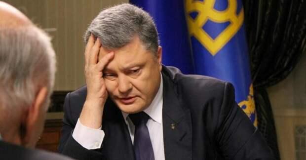 Петр Порошенко призвал продолжить декоммунизацию Украины
