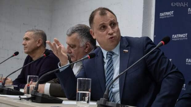 Вострецов объяснил, почему митинги сторонников Навального совпали с посланием Путина