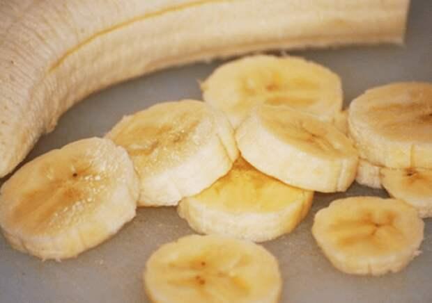 Манная каша с бананом и шоколадом