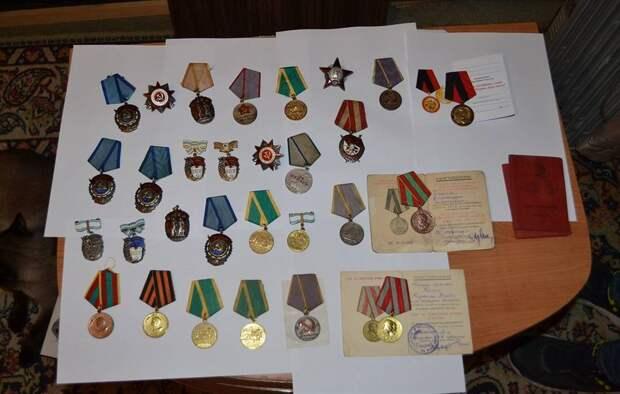 Житель Алтая хотел продать за рубеж награды времен Великой Отечественной войны