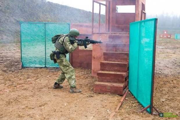 Китайцы крайне впечатлились футуристическими маневрами российских солдат