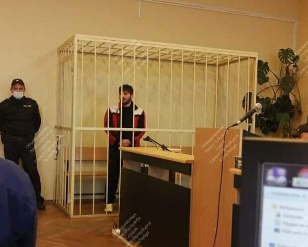 В Петербурге арестовали обвиняемого в убийстве бизнесмена, которого нашли обмотанным скотчем на парковке