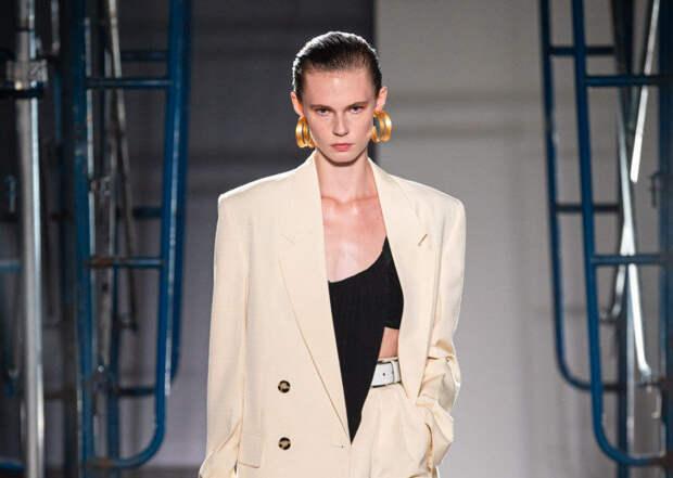 Самые модные жакеты осени 2020 года: от коротких до мужских