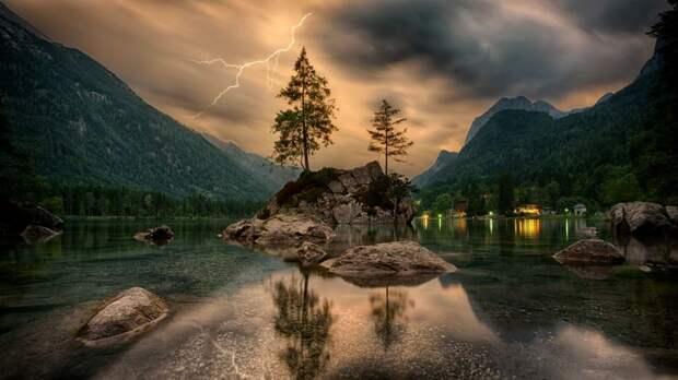 Уникальный остров в Норвегии: на нем не существует хронометража времени