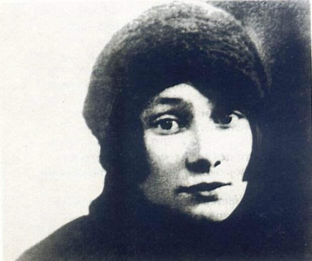 """Анна """"Вторая"""" - Энгельгардт-Гумилева, вдова поэта."""