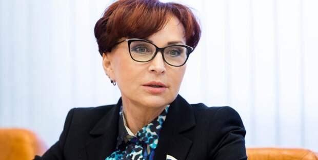 Сенатор объяснила упадок рождаемости в России нежеланием женщин использовать свое тело