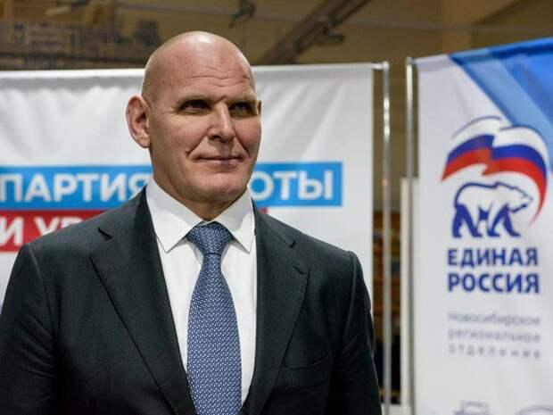 «Единая Россия» переводит Александра Карелина в Совет федерации