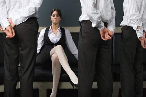 Мужчинам нравятся те женщины, которые нравятся другим мужчинам?