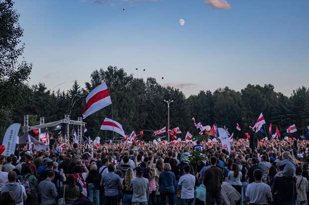Митинги, столкновения и первые пострадавшие: что происходит в Белоруссии после выборов