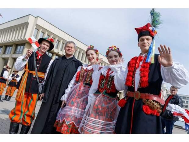 Какие виды на урожай? Польские кнедлики и литовские цеппелины на каждом беларуском столе, ешьте - не обляпайтесь!