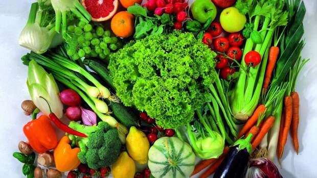 Инфекционист Малышев перечислил продукты, которые нужно есть после контакта с больным COVID-19