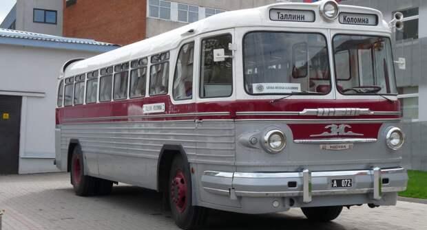 Советский туристический автобус — ЗИС/ЗИЛ-127